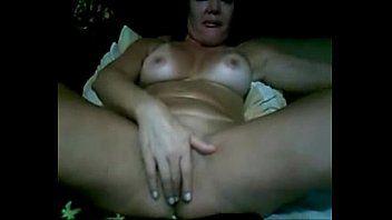 Velha puta gordinha dando show na webcam