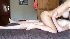 Magrinha bunduda boa de pica no sexo amador