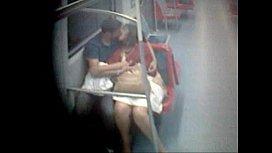 Safada recebendo encoxada no trem e piroca