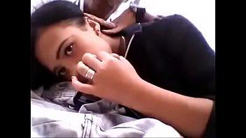 Vídeo da novinha gulosa de boca na pinta do namorado