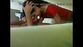 Video da inexperiente novinha chupando namorado