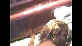 Loirinha amadora no motel com peludo
