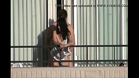 Sexo na varanda com a puta da noiva
