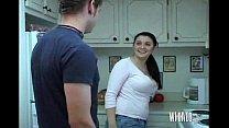Xvideos com empregada dos seios grande na cozinha