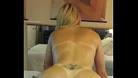 Sexo anal e vaginal com a loira da bunda redonda