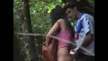 Menina metendo com seu namorado e sendo flagrados