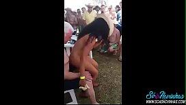 Coroa safado fudendo na festa com a bêbada