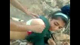 Vídeo porno novinha amadora dando o cu