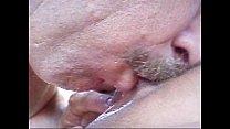 Velho chupando buceta da amadora loirinha gata