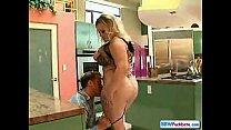 Gorda dando o cu no sexo anal violento
