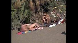 Trepando na praia com a gostosinha loira bem tarada