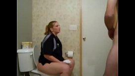 Camera no banheiro filmando sexo com esposa