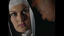 Dotados comendo a freira gostosa no grupal