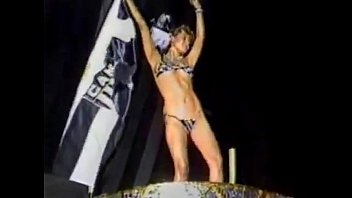 Xuxa Pelada Metendo Nua em Video Porno Antigo