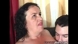 Vídeo porno com a velha boqueteira puta gordinha