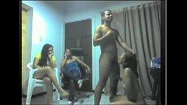 Baile de favela com as amadoras putinhas felizes