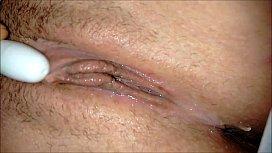 Mulher tesuda com sua buceta babando em porno