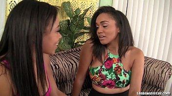 Novinhas negras gostosas nuas em chupada nas xerecas