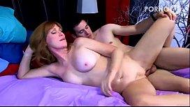 Safadinho em vídeo sexo com minha tia de peitões
