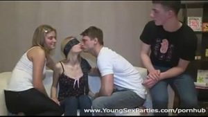 Safados em vídeo putaria com troca de casais fodendo