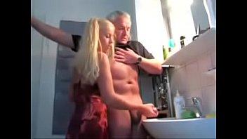 Xhamster incesto de novinha punhetando o vovô