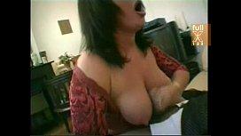 Mulher com sua roupa de puta madura no sexo