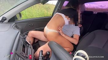 Porno gostoso e explicito dentro do carro com bucetuda