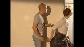 Filme erotico italiano do careca com a jovem secretária