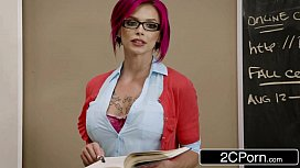 Vídeo com a gata professora ruiva transando na classe