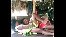 Casal de indios bem tarado em putaria transando
