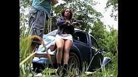 Dotado em vídeo trepando no mato com a brasileirinha