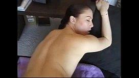 Bunduda muito atraente e pelada dando a raba