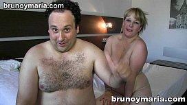 Cabeludo gordinho realizando sexo com a madura taradinha