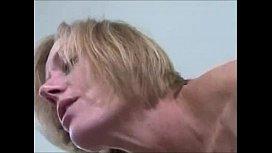 Mulher madura transando com outro macho na traição