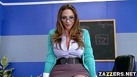 Dotado do aluno em porno fodendo a professora