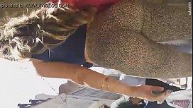 Novinha sacana de bumbum grande e de leg na exibição