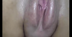 Buceta velha molhada e gostosa sendo masturbada