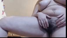 Velhas peludas se masturbando e passando dedo na pepeca