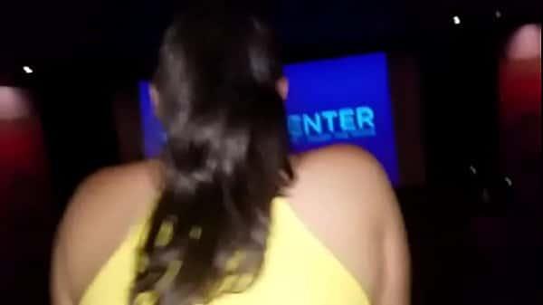 Ninfetas anal metendo durante filme grátis com seu amigo