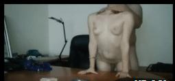 Comendo a secretária gostosa dentro do escritorio