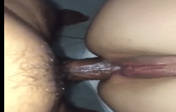 Menina gozando enquanto seu marido fode seu cuzinho