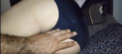Mulher de calcinha enfiada sendo abusada bem gostoso