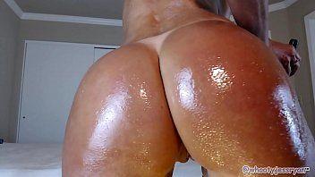 Novinhas peludas se masturbando na webcam pra galera