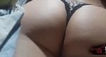 Mulher dormindo de calcinha e sendo filmada