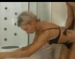 Russa gostosa transando no banheiro de casa