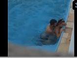 Flagra de sexo em publico com casal fudendo na piscina