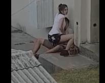 Novinha dando escondido a bucetinha apertada para o namorado