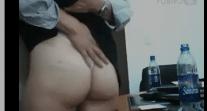 Secretarias putas no escritorio do sexo metendo com patrão