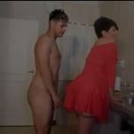 Espiando a mae no banho e fodendo a xota no pelo
