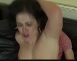 Mae dando pro filho no video de incesto gostoso
